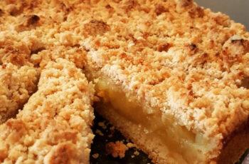 Apfelkuchen mit Apfelmus und Vanillepudding Rezept