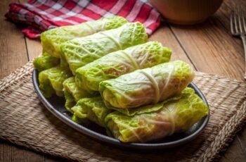 Vegetarische Chinakohl-Rouladen Rezept