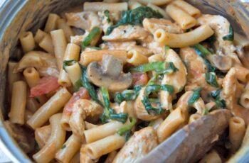 One Pot Pasta mit Huhn Rezept