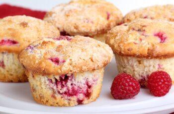 Topfen Muffins mit Himbeeren Rezept